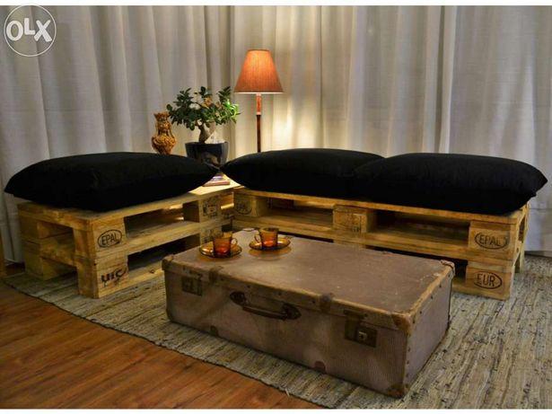 Bancos Pal Deco em paletes de madeira