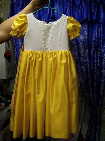 Нарядное, праздничное, на выпускной платье