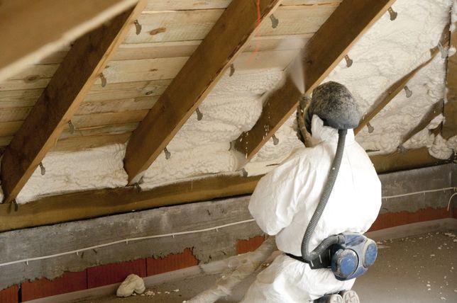Ocieplenie pianką pur, ocieplenie poddasza, izolacja dachu,