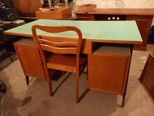 Stare biurko retro prl lata 60te  nozki szuflady solidne