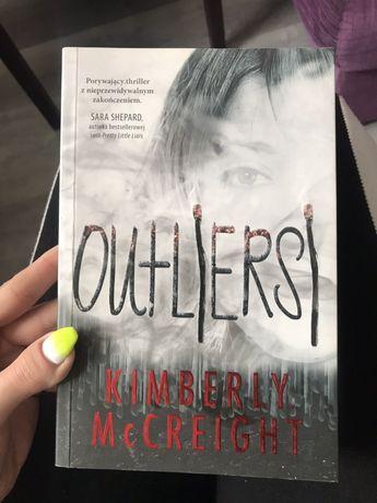 "Książka ""Outliersi"""