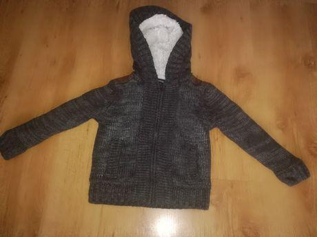 Ciepły sweterek r.104
