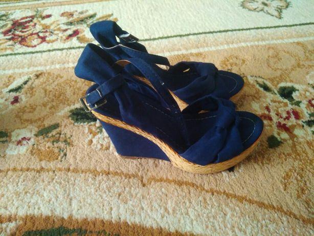 Босоніжки 36 розмір + туфлі в подарунок