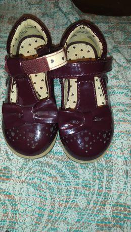 Туфельки туфли  для принцессы 22 р F&F
