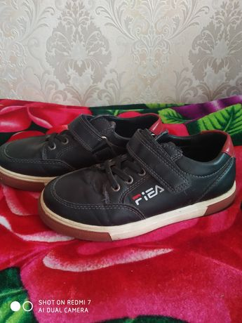 Взуття. Кросівки