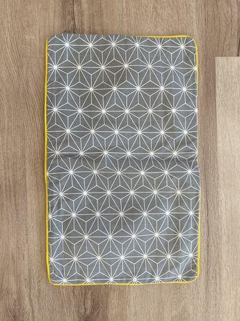 Capa de almofada padrão estrela, amarela e cinzenta 50x30