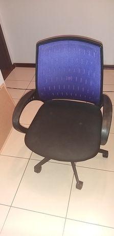 Krzesło młodzieżowe