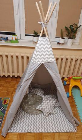 Namiot tipi szaro biały zygzaki cztery poduszki mata stabilizator