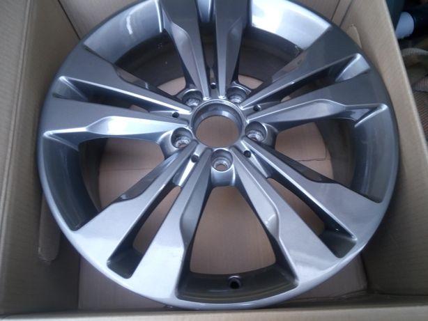 Felga aluminiowa Mercedes A B Klassa w176 w246 w117
