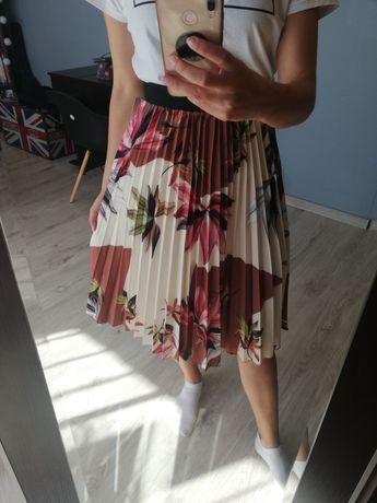 Nowa spódnica plisowana