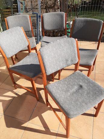Krzesła tapicerowane PRL