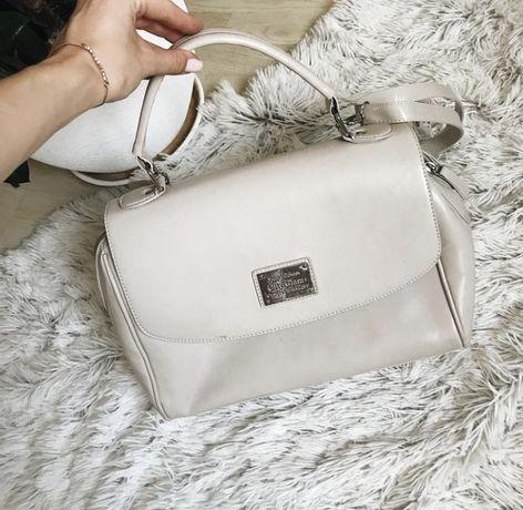 Кремовая женская сумочка