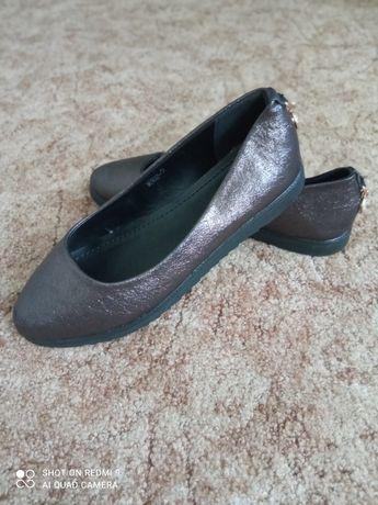 Туфлі.балетки.жіночі
