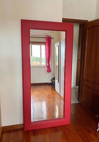 Espelho grande vermelho Salão