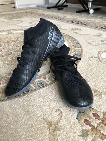 Новые бутсы Nike р. 37,5