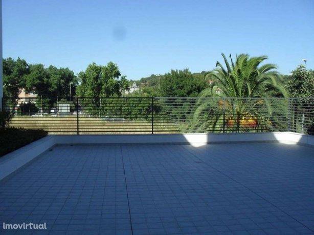 Apartamento T3 em Caxias