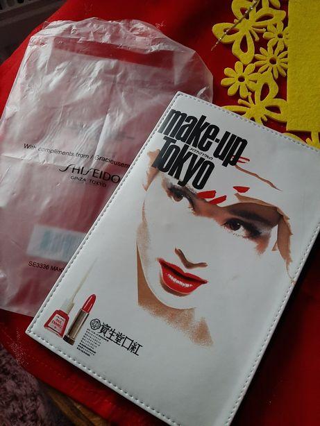 Śliczna kosmetyczka oryginalna make-up Tokyo