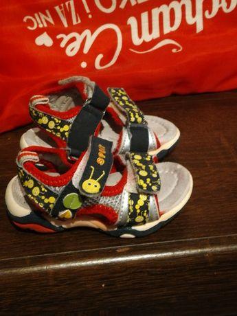 Sandałki dla chłopca rozmiar 20