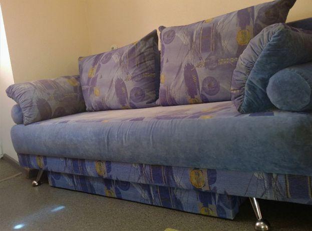 Диван-кровать синий