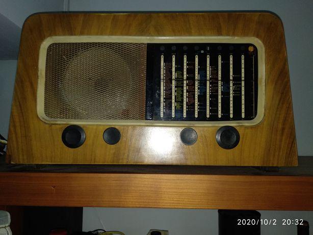 Rádios antigos a funcionar