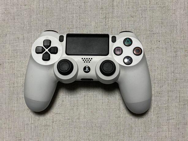 Продам геймпад Sony PS4 Dualshock 4 V2 White