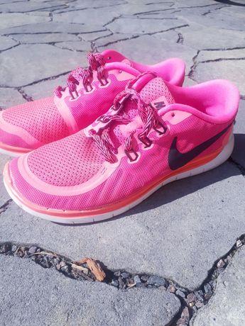 Кросівки дитячі Nike 36,5 розмір рожеві