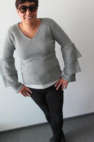 Przepiękny oryginalny sweterek rękawki falbany WŁOSKI r.40-46