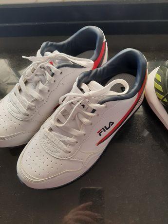 Conjunto tenis pouco uso de marca ( Adidas Nike e Fila)