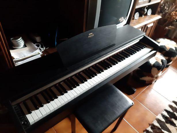 Piano digital Yamaha YDP-161B 88 teclas pesadas, adequado aprendizagem