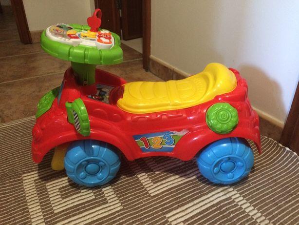 Triciclo/carrinho para bebe/crianca com piano