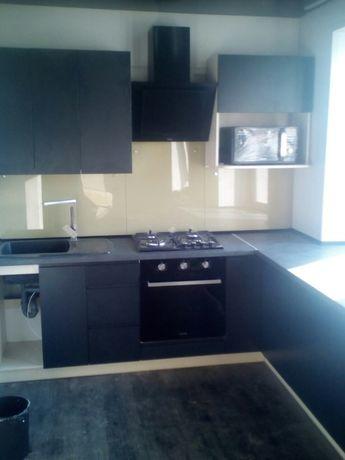 Кухня. 1 фото - результат нашей работы, 3,4,5 фото - как было!