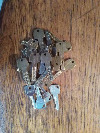 Zestaw kluczy Gerda dla fachowca od dorabiania kluczy.