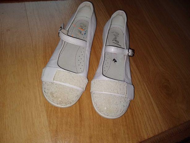 Białe buciki baleriny dla dziewczynki rozm. 31