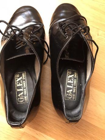Продам танцювальні туфлі