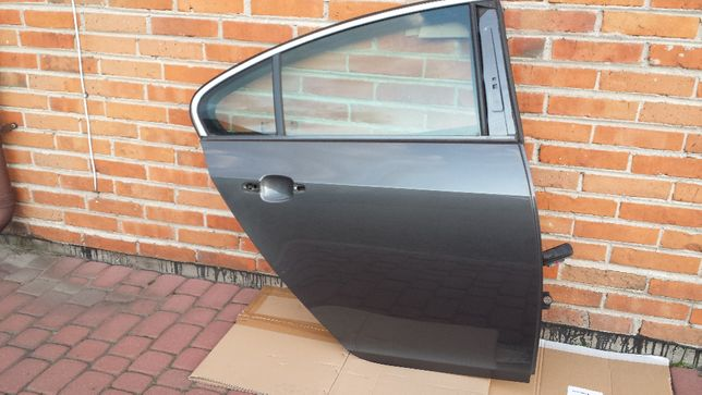 drzwi prawy tył prawe tylne Insignia Z177 HB hatchback OPEL