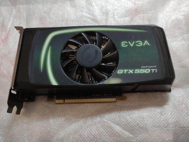 Placa Gráfica EVGA GTX 550ti 1gb GDDR5