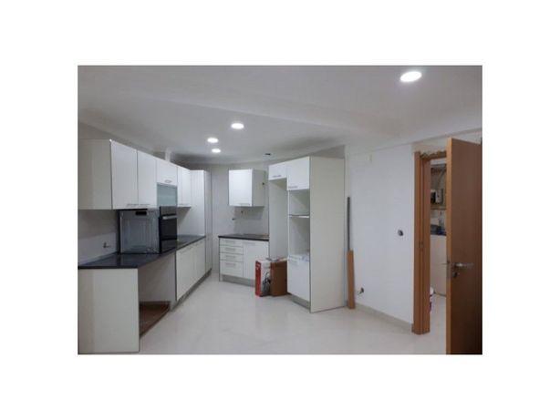Apartamento T2 remodelado Carnaxide