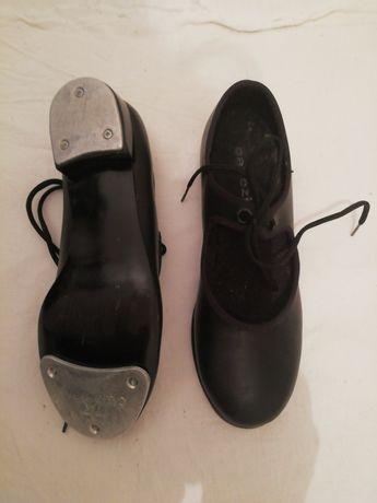 Sapatos de danças de  carater