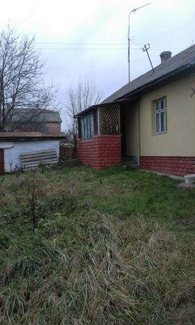 Цегляний будинок с. Куровичі