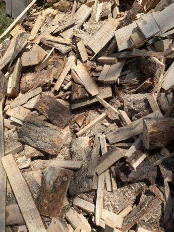 Okorki, zrzyny tartaczne, drewno na rozpalke