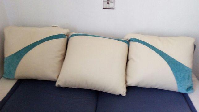 Sprzedam poduszki.