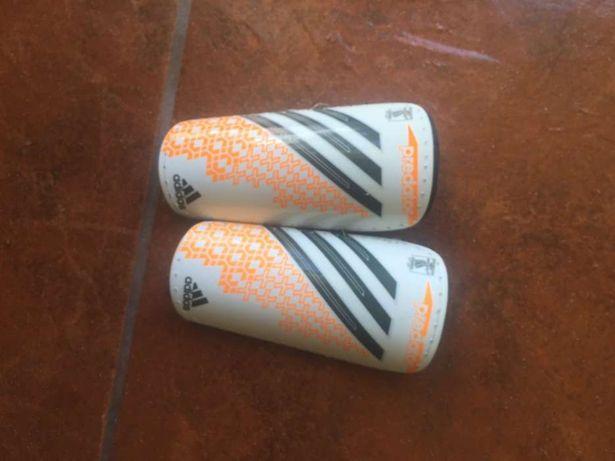 Caneleiras futebol adidas