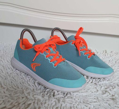 Świetne buty sportowe CLARKS r. 35 dla dziewczynki lekkie na wiosnę