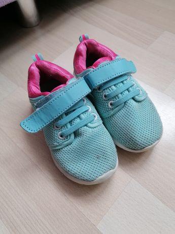 Adidasy dla dziewczynki 24