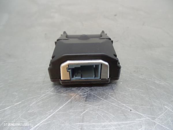 Câmera Frontal Peugeot 3008 Suv (M_)