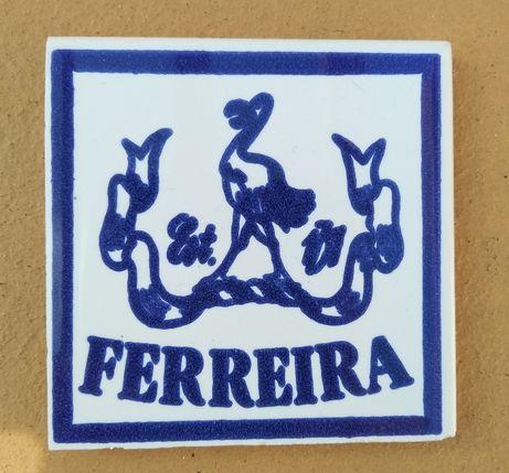 Azulejo base antiga do vinho do Porto Ferreira