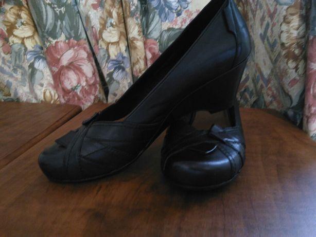 Туфли chester новые