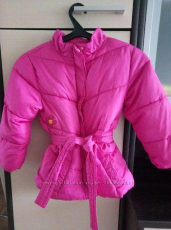 Теплая яркая курточка