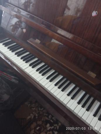 Фортепиано Украина в хорошем состоянии