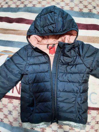 Демисезонная курточка 122 см.